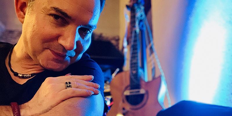 Axel Chill, musicien Chanteur en représentation à Ille et Vilaine - photo de couverture n° 3