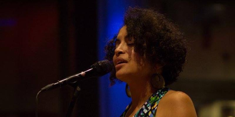 Marie Carrié, musicien Chanteur en représentation à Gironde - photo de couverture n° 1