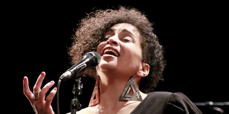 Marie Carrié, musicien Chanteur en représentation à Gironde - photo de couverture n° 2