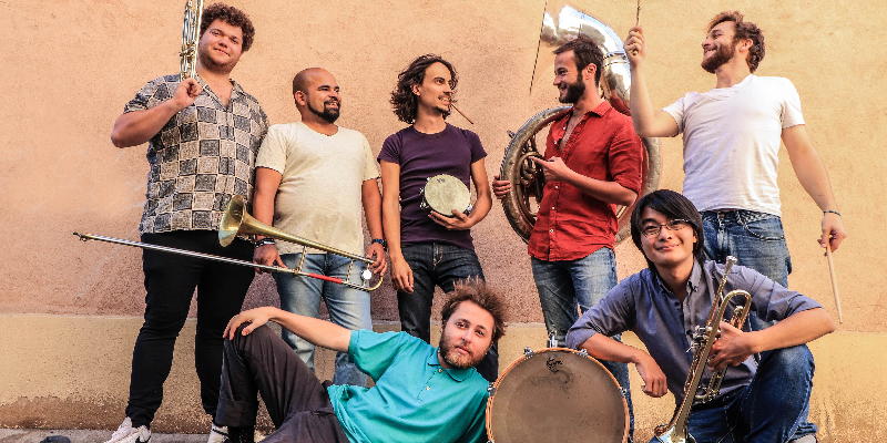AstroBrass, groupe de musique Fanfare en représentation à Rhône - photo de couverture n° 1
