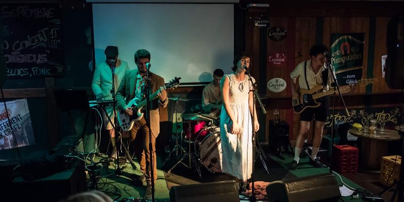 Les Mal'Entendus, groupe de musique Rock en représentation à Doubs - photo de couverture n° 2