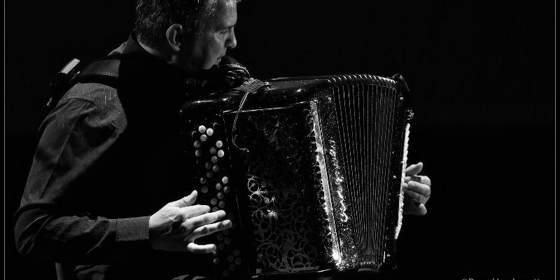 lamige pascal, musicien Chanteur en représentation à Gironde - photo de couverture n° 1