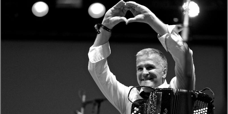 lamige pascal, musicien Chanteur en représentation à Gironde - photo de couverture n° 2