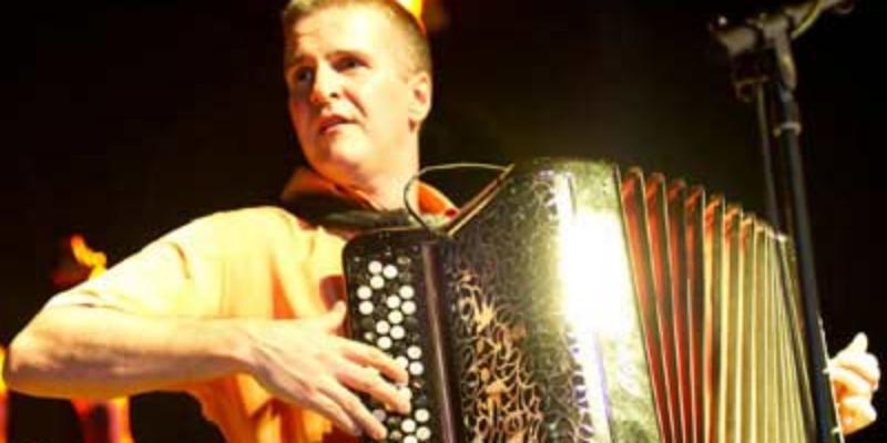 lamige pascal, musicien Chanteur en représentation à Gironde - photo de couverture n° 3