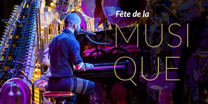Alex Cloutier, musicien Chanteur en représentation à Paris - photo de couverture
