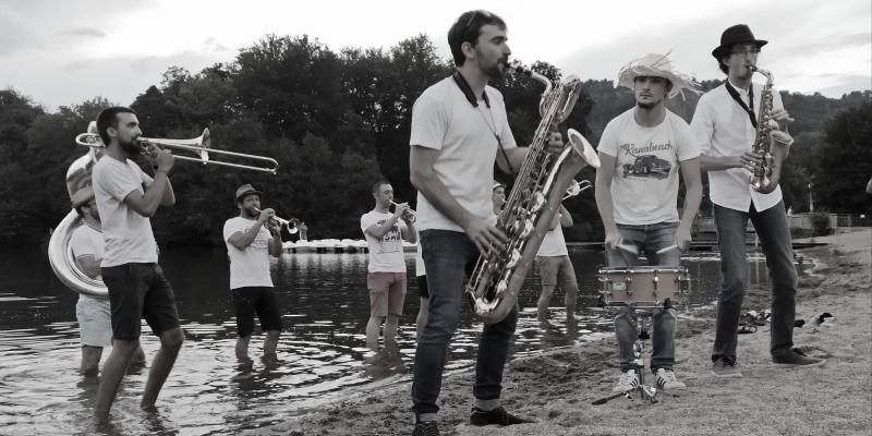 MagmatiK Brass Band, groupe de musique Fanfare en représentation à Puy de Dôme - photo de couverture n° 1