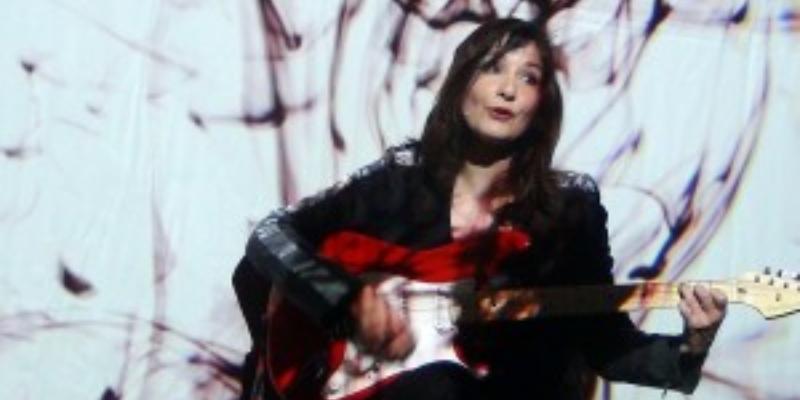Lizzy Ling, musicien Chanteur en représentation - photo de couverture n° 3