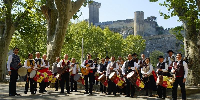 Li Festejaire, groupe de musique Folk en représentation à Gard - photo de couverture n° 1