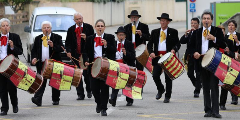 Li Festejaire, groupe de musique Folk en représentation à Gard - photo de couverture n° 3