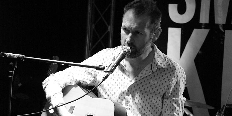 Bigwood H., musicien Chanteur en représentation à Doubs - photo de couverture