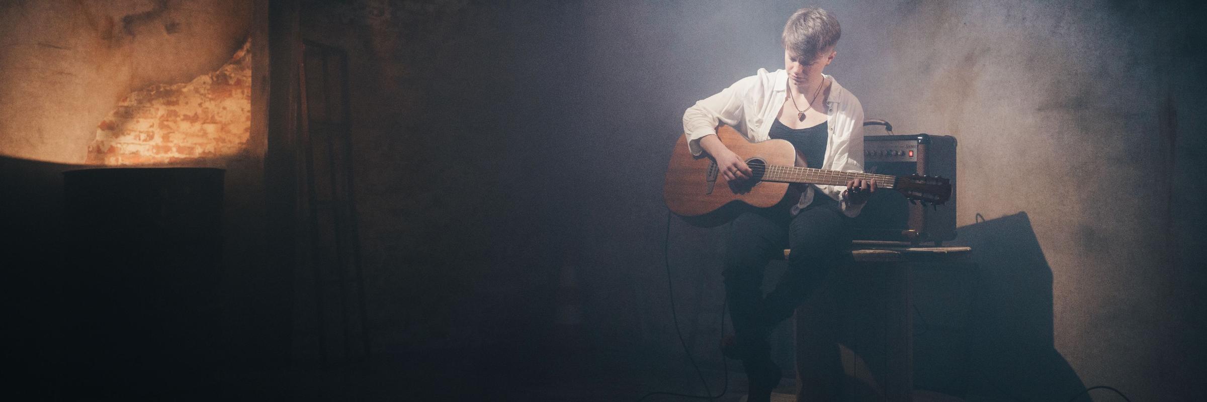 Enelos, musicien Rock en représentation à Doubs - photo de couverture n° 3
