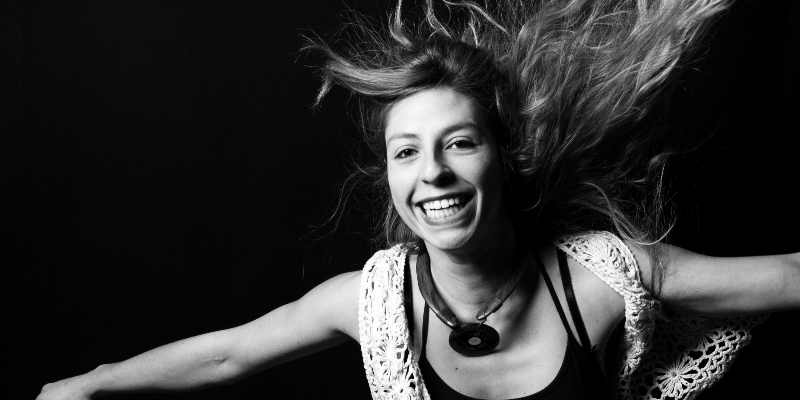 Lena Dess, groupe de musique Chanteur en représentation à Charente Maritime - photo de couverture n° 2