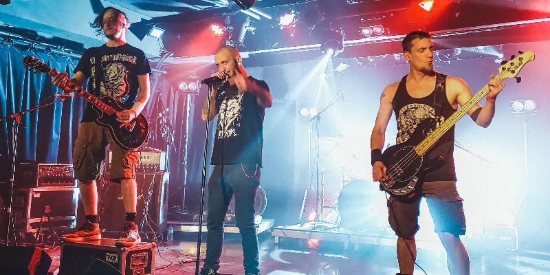 Les Poissons Morts, groupe de musique Métal en représentation à Yvelines - photo de couverture n° 1