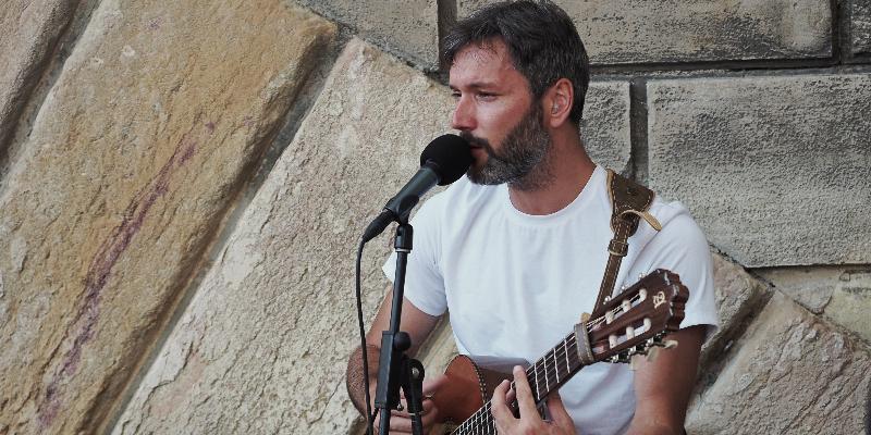 Romain Dupré, musicien Chanteur en représentation à Paris - photo de couverture n° 2