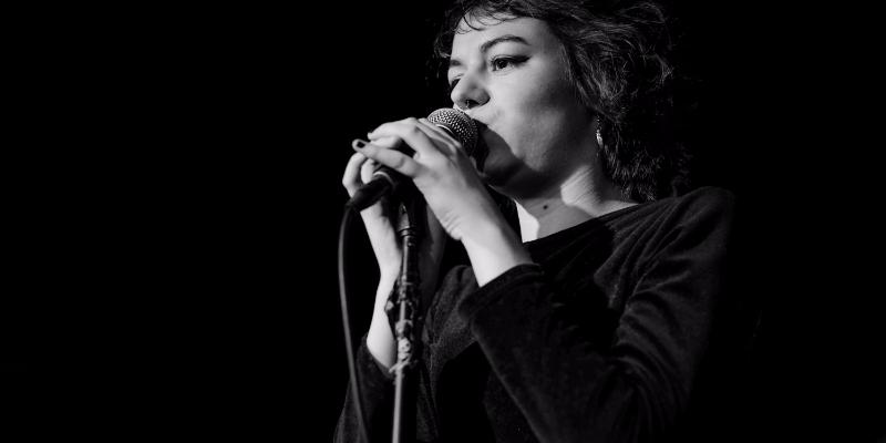 Sweet Jane, musicien Rock en représentation - photo de couverture n° 1