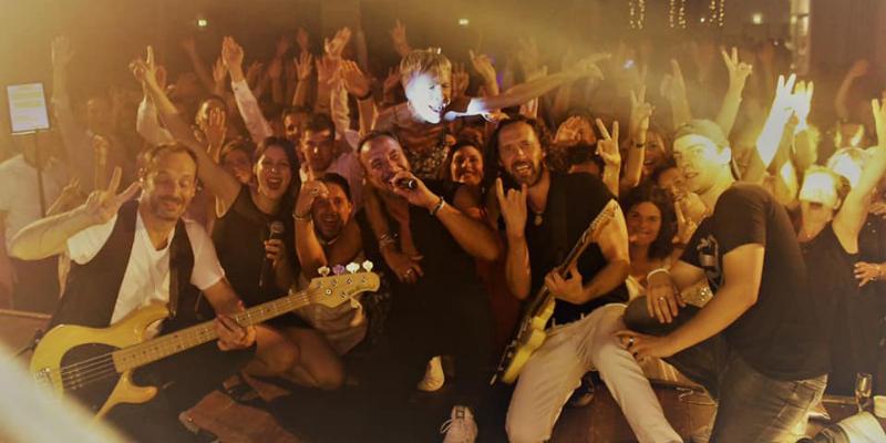 Orchestre StarLight, groupe de musique Chanteur en représentation à Maine et Loire - photo de couverture n° 1