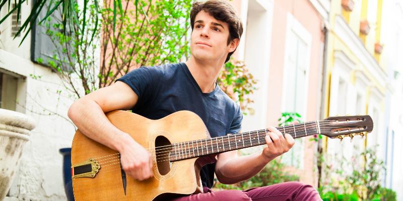 Rémy Dodds, musicien Chanteur en représentation à Yvelines - photo de couverture n° 2