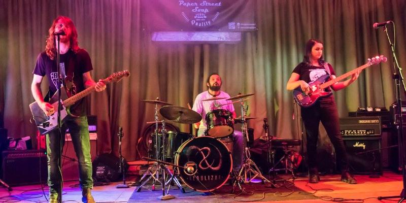 The Defigurheads, groupe de musique Rock en représentation - photo de couverture
