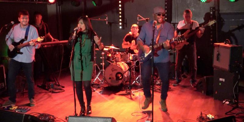 SaltAndRoots , groupe de musique Acoustique en représentation à Paris - photo de couverture n° 1