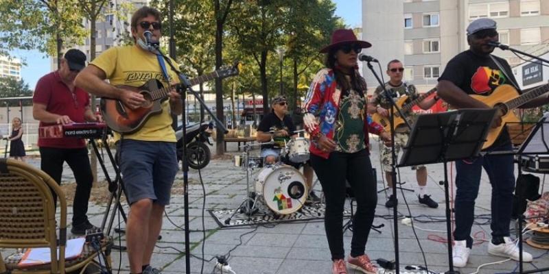 SaltAndRoots , groupe de musique Acoustique en représentation à Paris - photo de couverture n° 2
