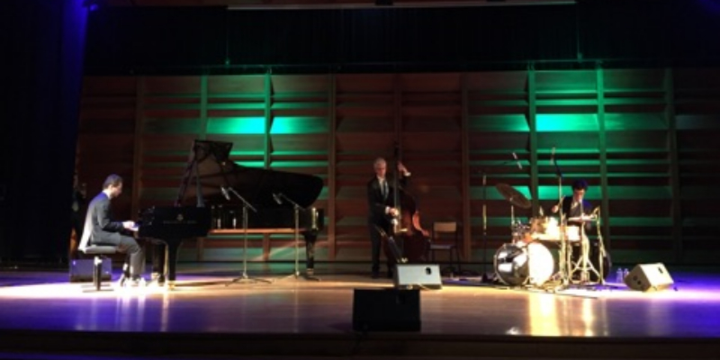 Julien Coriatt Trio, groupe de musique Jazz en représentation - photo de couverture n° 3