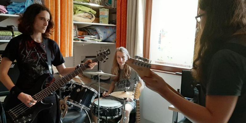 Vaateceros, groupe de musique Métal en représentation à Haut Rhin - photo de couverture n° 2