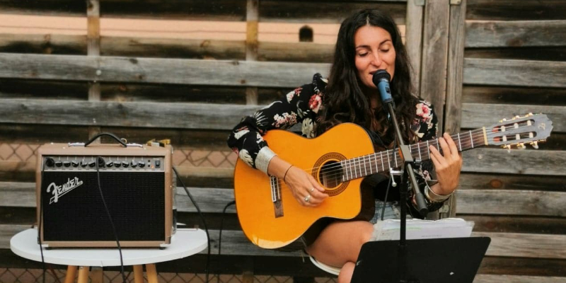 Lisa Callune, musicien Chanteur en représentation à Rhône - photo de couverture n° 3