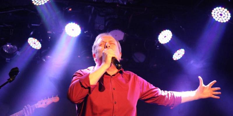 TONYO CHANTE LES 80', musicien Chanteur en représentation à Paris - photo de couverture n° 1