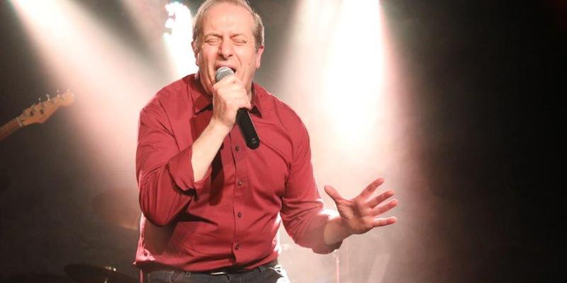 TONYO CHANTE LES 80', musicien Chanteur en représentation à Paris - photo de couverture n° 2
