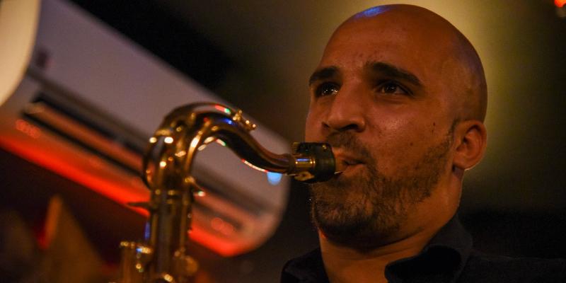 AfroDim, musicien Chanteur en représentation à Haute Garonne - photo de couverture n° 2