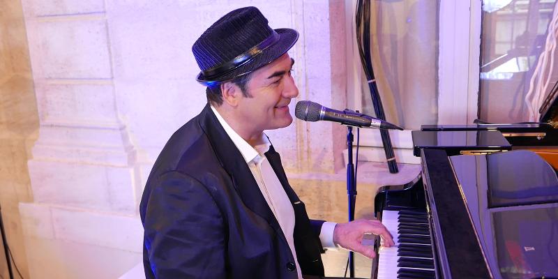 Bob Franks, musicien Chanteur en représentation à Gironde - photo de couverture n° 3