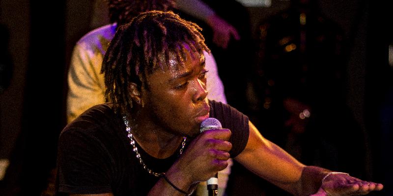 Totorhina TTR, musicien Pop en représentation à Paris - photo de couverture n° 1