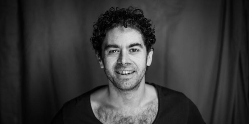 Laurent Azoulay (AZUL en solo), musicien Chanteur en représentation - photo de couverture n° 2