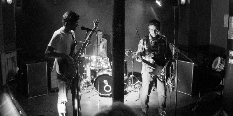 Bewildered, groupe de musique Rock en représentation - photo de couverture