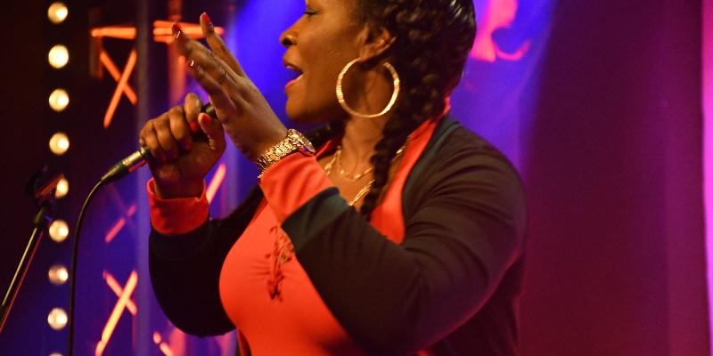 Nawema, musicien Chanteur en représentation à Essone - photo de couverture n° 1