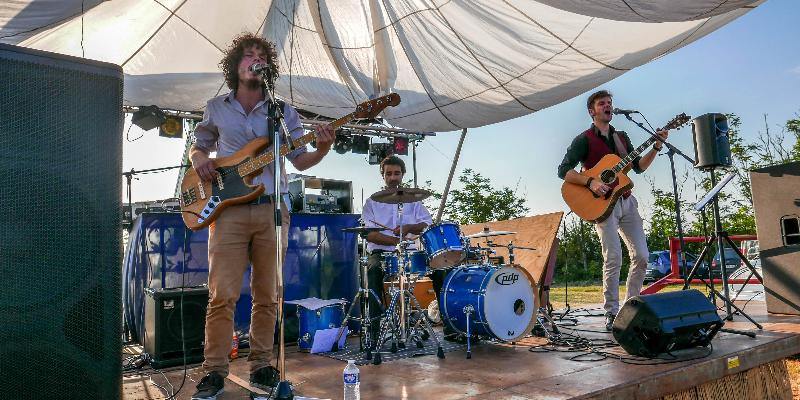 The Brandy Boys Trio, groupe de musique Chanteur en représentation à Haute Garonne - photo de couverture n° 3