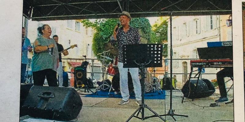 IGLESIAS , groupe de musique Chanteur en représentation à Bouches du Rhône - photo de couverture n° 2
