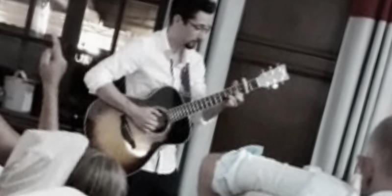 Maxime, musicien Guitariste en représentation à Isère - photo de couverture