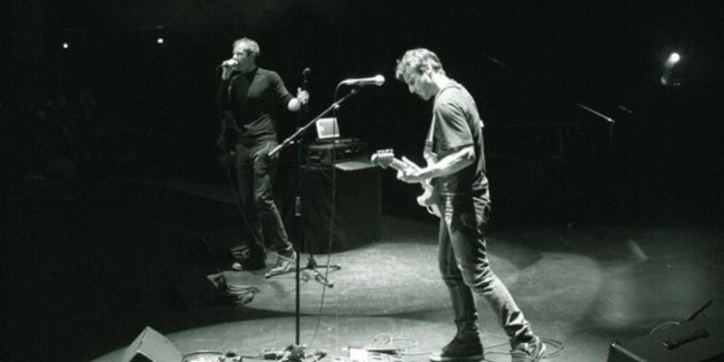 Berlyne, groupe de musique Chanteur en représentation à Paris - photo de couverture n° 2