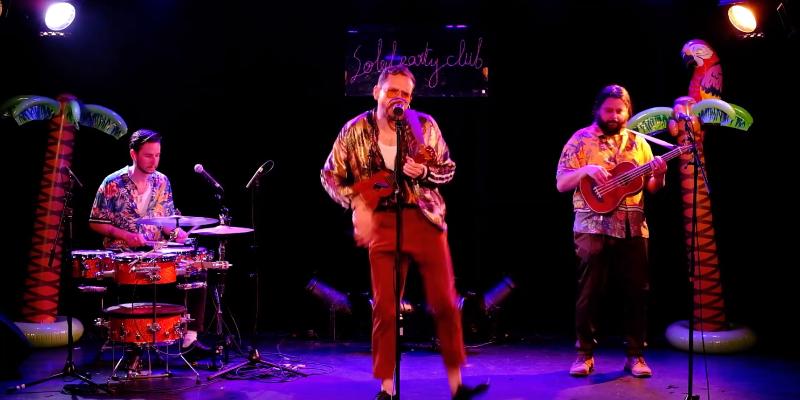 Soleil Party Club, groupe de musique Chanteur en représentation à Rhône - photo de couverture n° 2