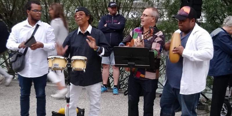 Almalatina, groupe de musique Salsa en représentation à Isère - photo de couverture