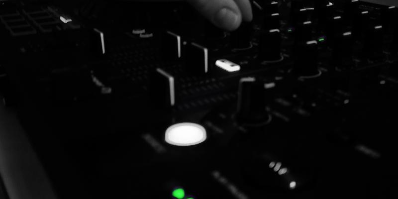 LAINE Baudouin, DJ Dj en représentation à Loire Atlantique - photo de couverture n° 1