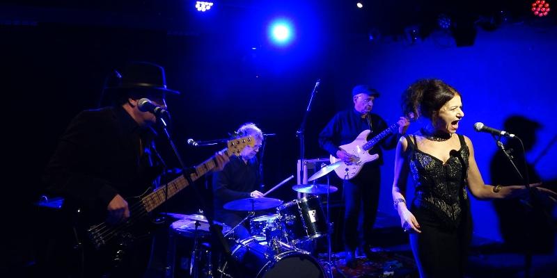 Sybille Dounda's Band, groupe de musique Soul en représentation à Essone - photo de couverture n° 3