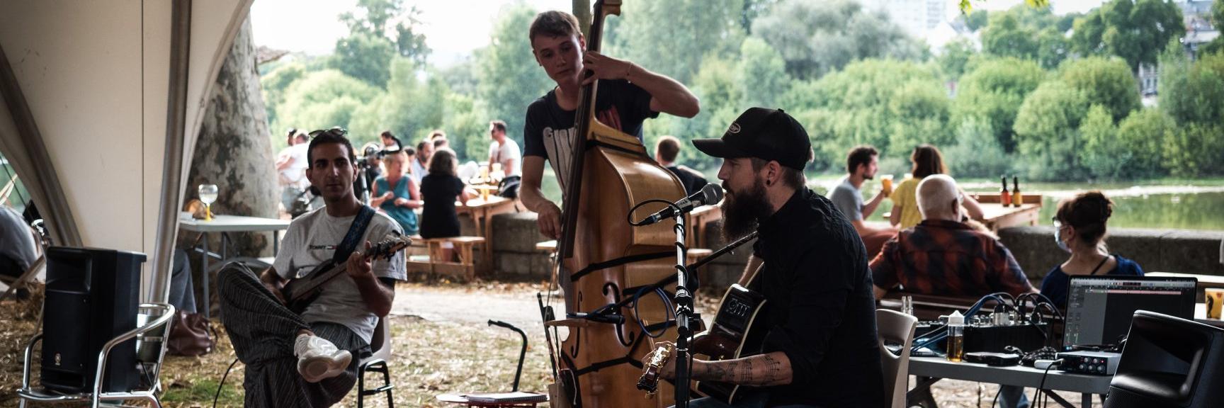 Micah Prewitt, groupe de musique Folk en représentation à Loiret - photo de couverture