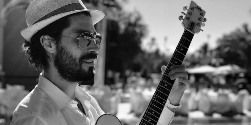 David Wallace, musicien Guitariste en représentation à Paris - photo de couverture n° 2