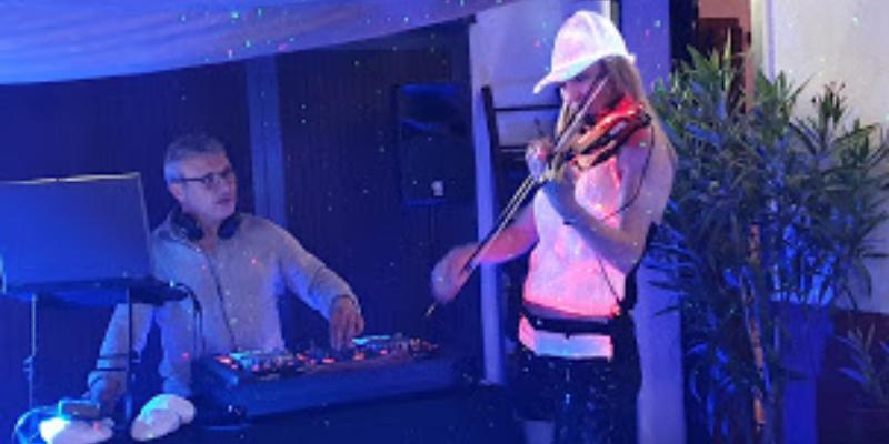 DJ M et An Violon duo, DJ Dj en représentation à Bouches du Rhône - photo de couverture n° 2
