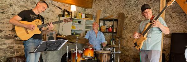 Tambour à deux cordes, groupe de musique Jazz en représentation à Haute Garonne - photo de couverture n° 4