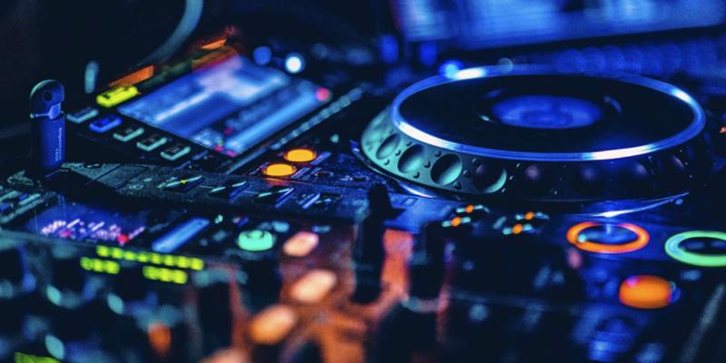 DJ VAl, DJ Dj en représentation à Vaucluse - photo de couverture n° 1