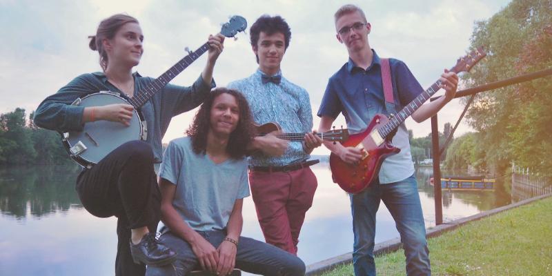 THE BLONDY SHEEP, groupe de musique Pop en représentation - photo de couverture