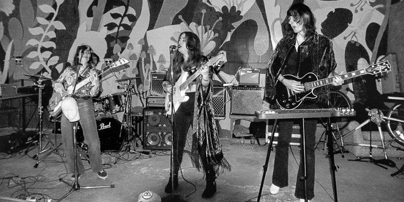 Kim Logan + Les Silhouettes, groupe de musique Rock en représentation à Paris - photo de couverture n° 2